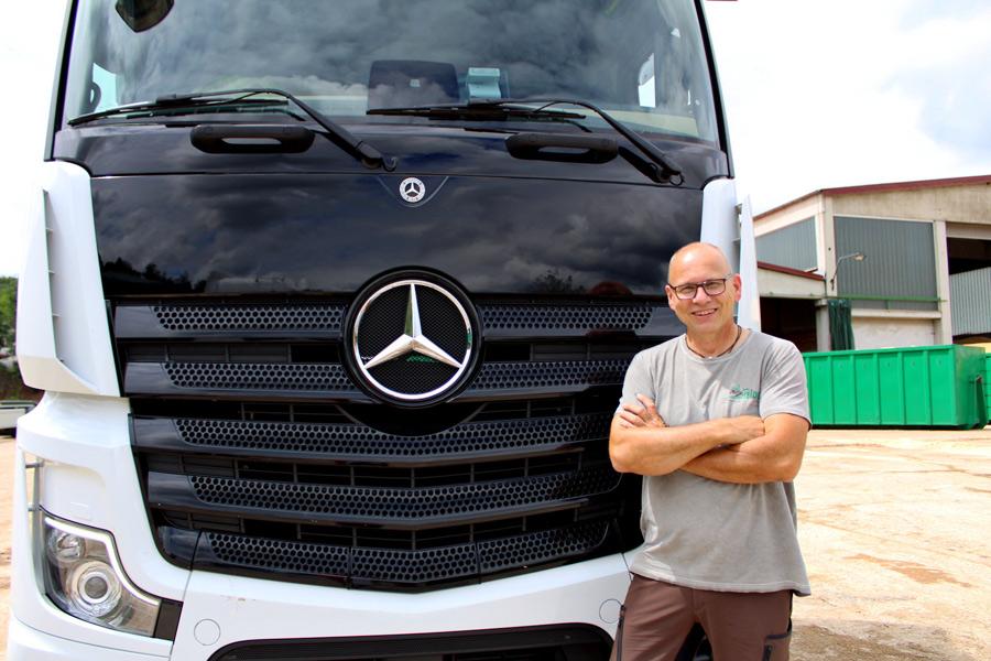 Stellenangebot: Wir suchen zum baldmöglichsten Zeitpunkt einen LKW-Fahrer (m/w/d)